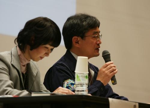 講演後は吉川博士と5名の有識者によるパネルディスカッション