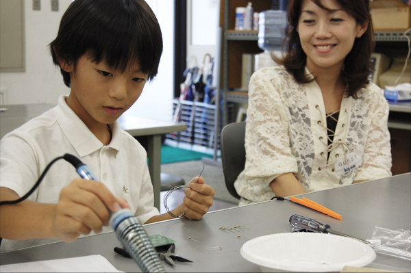 日本の将来はキミに任せた! 科学大好き少年が集まりました。