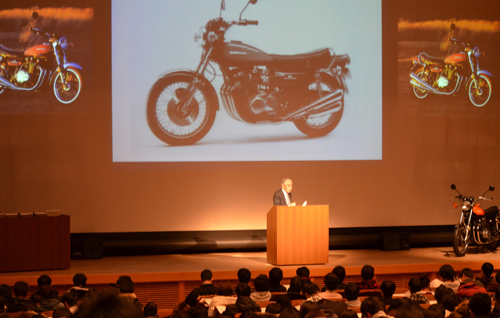 KCG京都駅前校で開かれた特別講演会「世界一のオートバイとガスタービン開発及び開発技術者の使命」