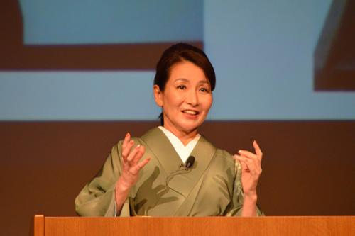 田中さんは「新しいことを挑戦する前に,必ず歴史を学んで」と強調しました。