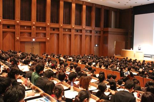 西日本一円から多数の学生が詰めかけました