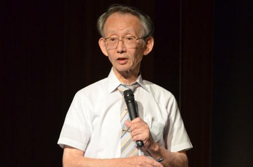 「全国同時七夕講演会@KCG -2013年の天文トピックスは大彗星到来」と題して講演する,KCGIの作花一志教授