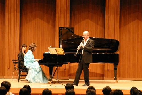 エマヌエル・ヌヴーさんによる澄み切ったクラリネットの音色と,杉谷昭子さんのピアノの競演は,訪れた人たちを魅了しました