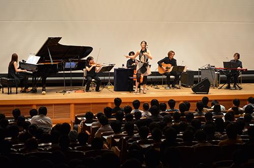 幻想的で繊細な音色が響いた野沢香苗さんによる二胡コンサート「奏でる音・映る景色」