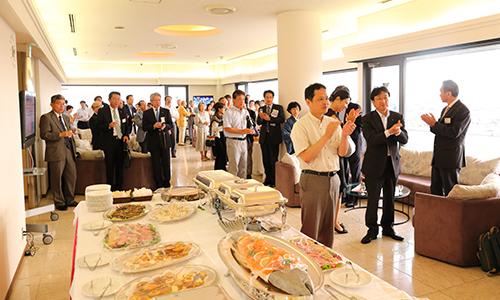 パーティーでは,サイバー京都研究所が「.kyoto」を活用したサイバー空間における品格のある京都の創造の拠点となるよう,志を新たにしました