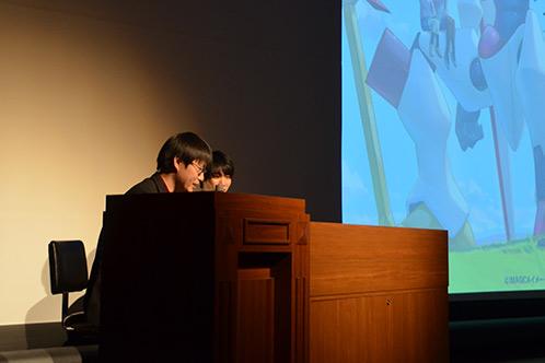 講演でアニメーションの自主制作やコンテスト出場を呼び掛ける学生たちに山元隼一さん